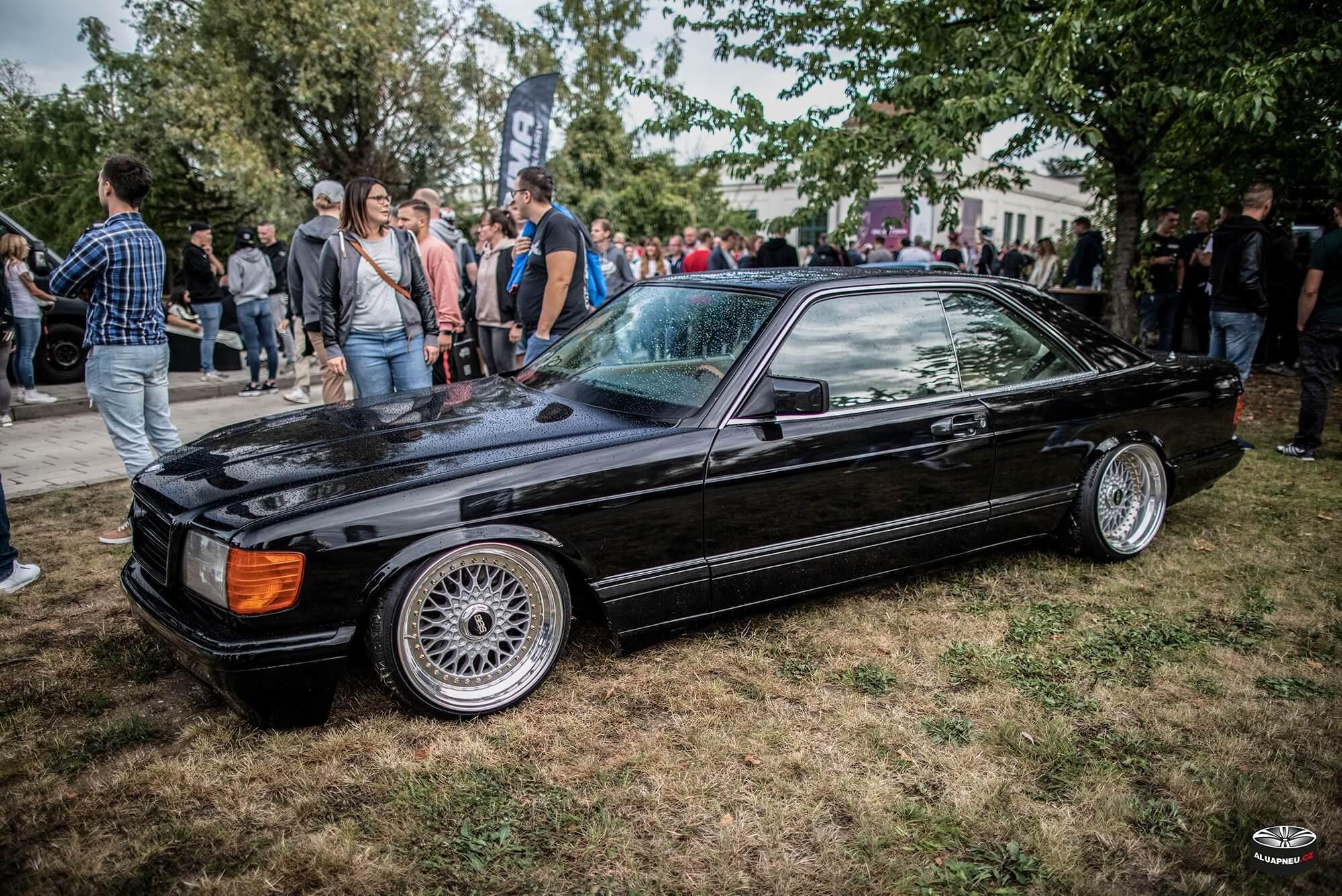 Alu kola s leštěným límcem Mercedes Benz Sec C126 - XS Classic Carnight 5.0 - Drážďany tuning sraz 2019 - www.aluapneu.cz
