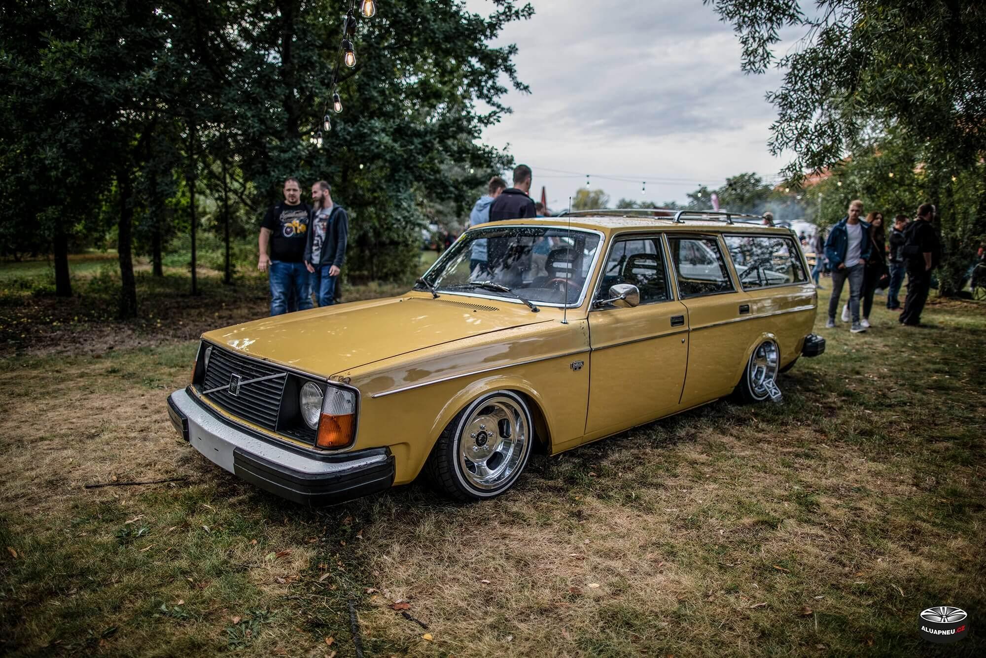 Alu kola Volvo 244 - XS Classic Carnight 5.0 - Drážďany tuning sraz 2019 - www.aluapneu.cz