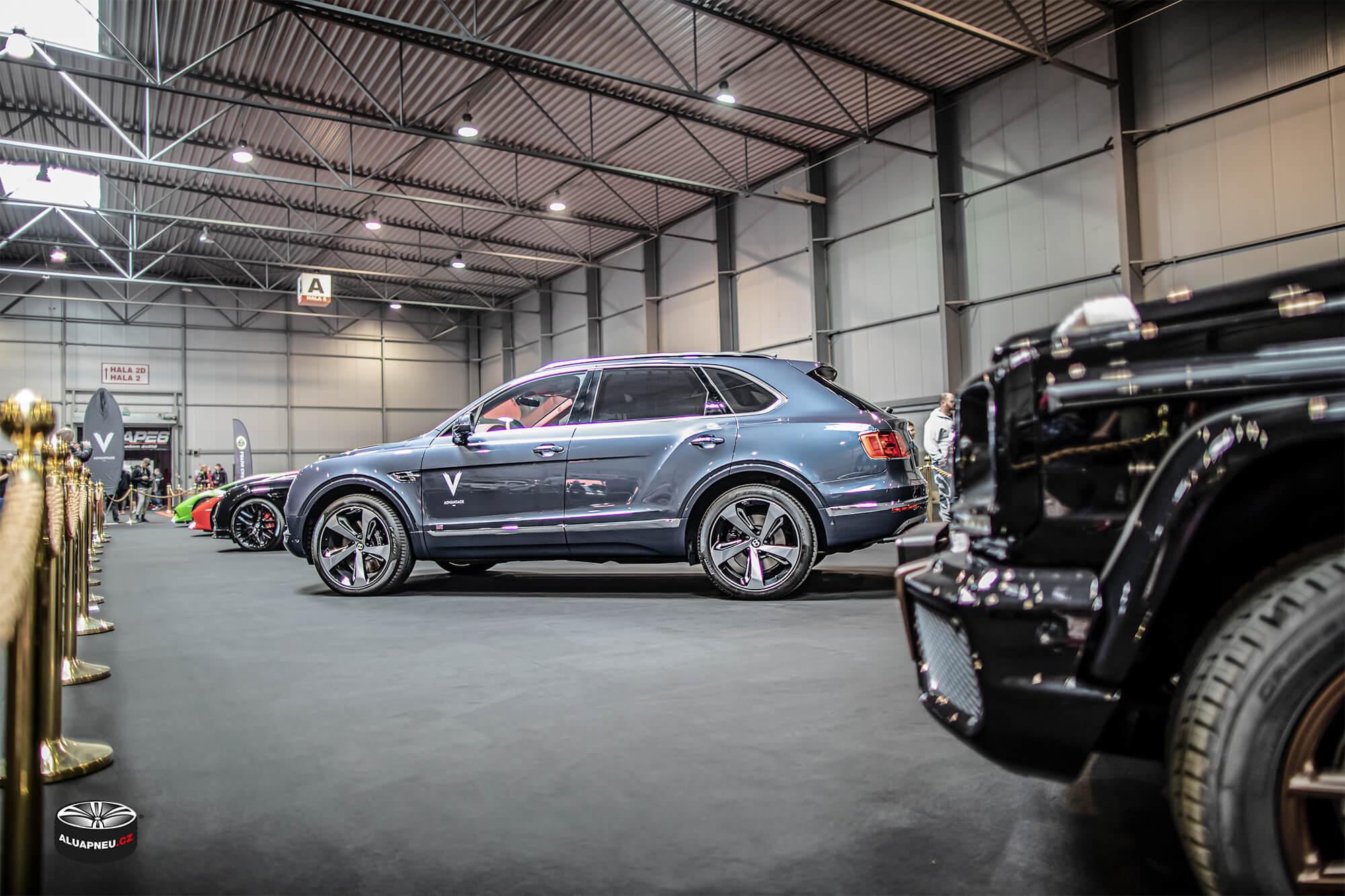 Bentley Bentayga - leštěné elektrony Bentley - Autosalon Praha 2019 - www.aluapneu.cz