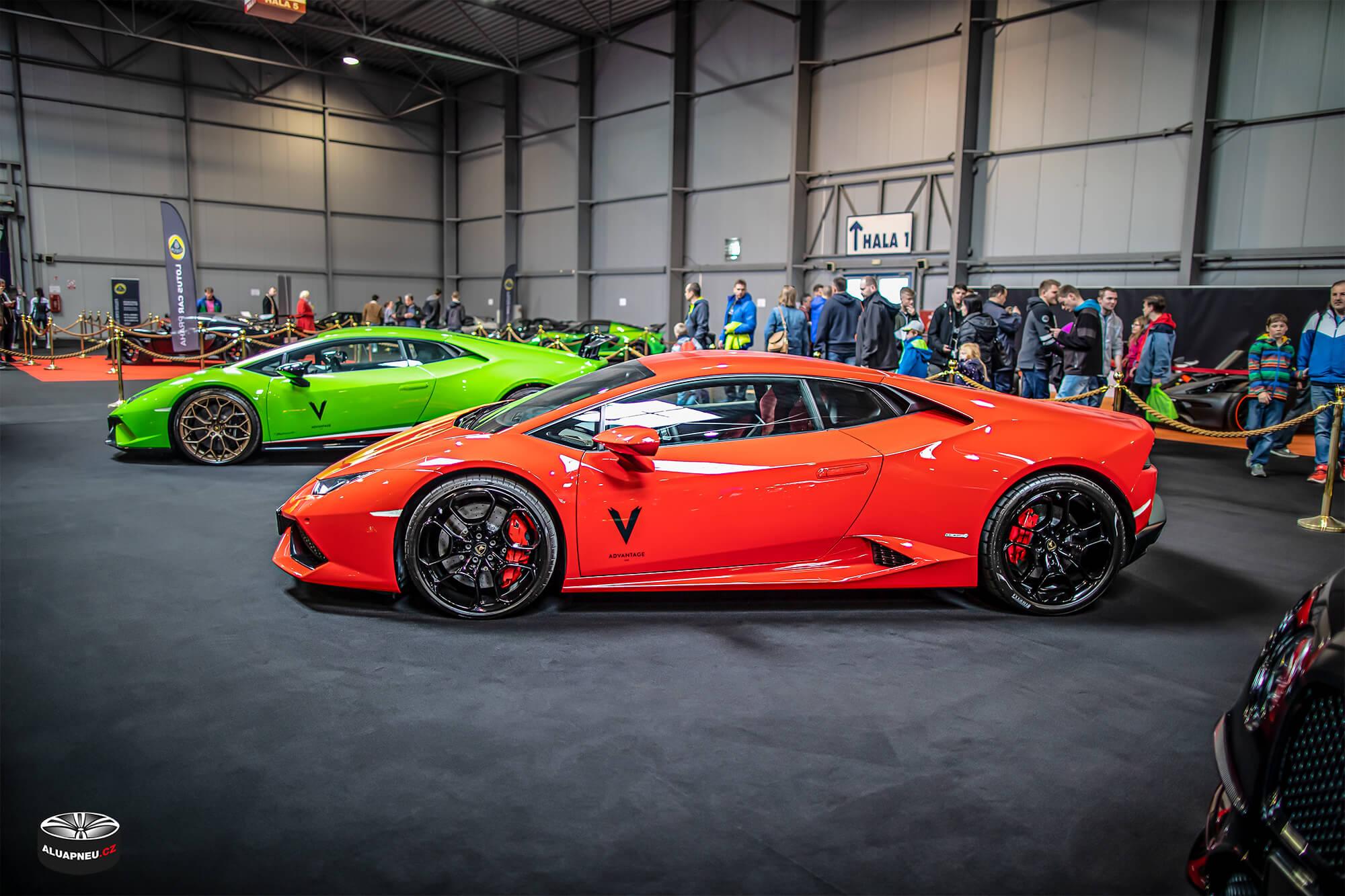 Rudé Lamborghini - černá alu kola Lamborghini - Autosalon Praha 2019 - www.aluapneu.cz