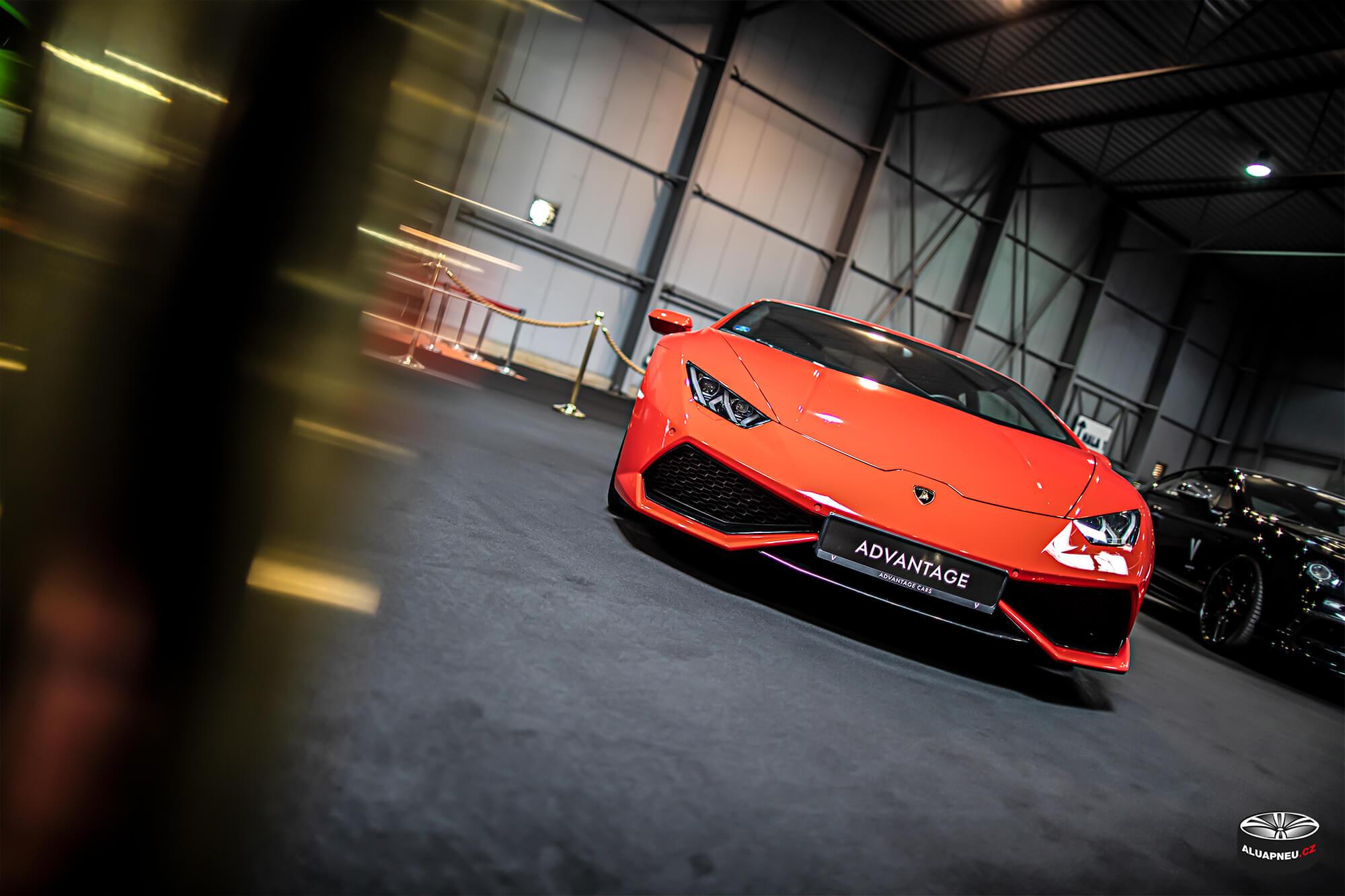 Rudé Lamborghini - Autosalon Praha 2019 - www.aluapneu.cz