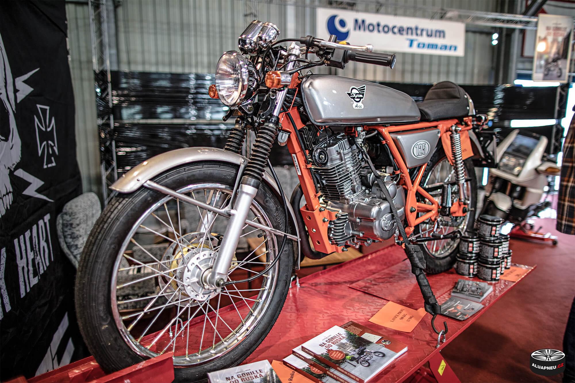 Motocykl - Autosalon Praha 2019 - www.aluapneu.cz