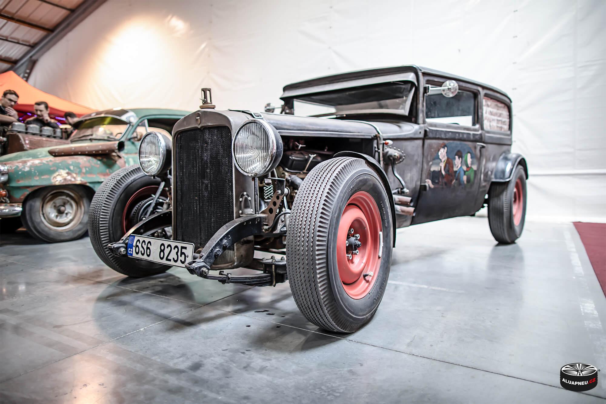 Oldschool cars - Autosalon Praha 2019 - www.aluapneu.cz