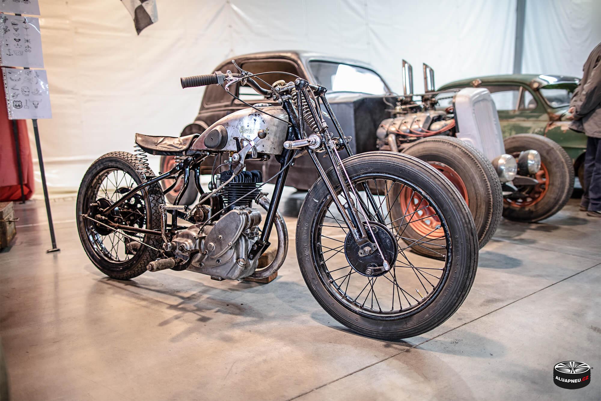 Motorky - Autosalon Praha 2019 - www.aluapneu.cz