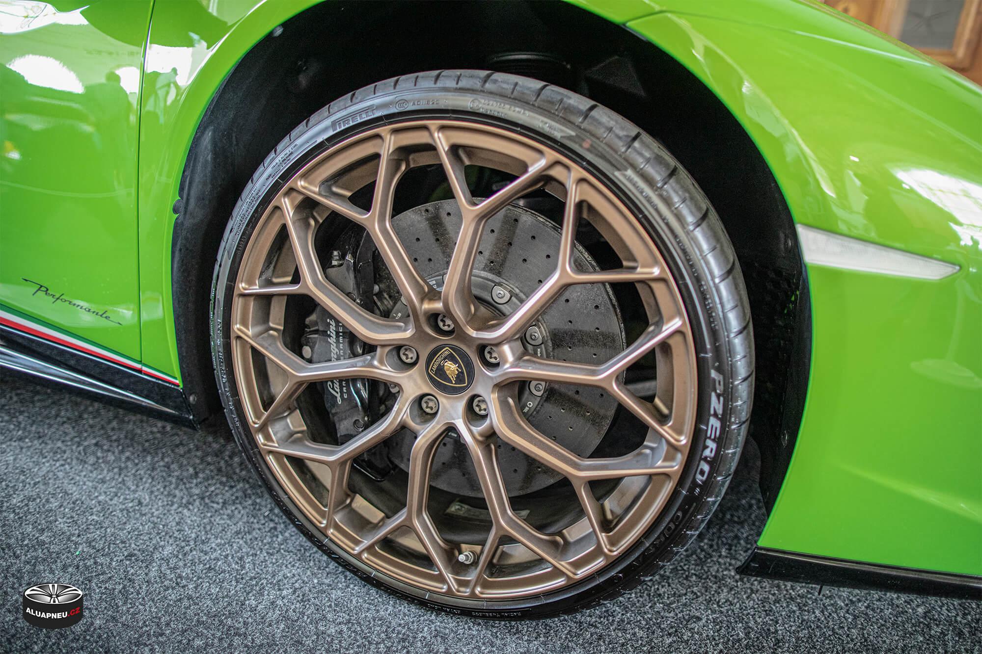 Bronzová alu kola Lamborghini - Automobilové Legendy 2019 - www.aluapneu.cz