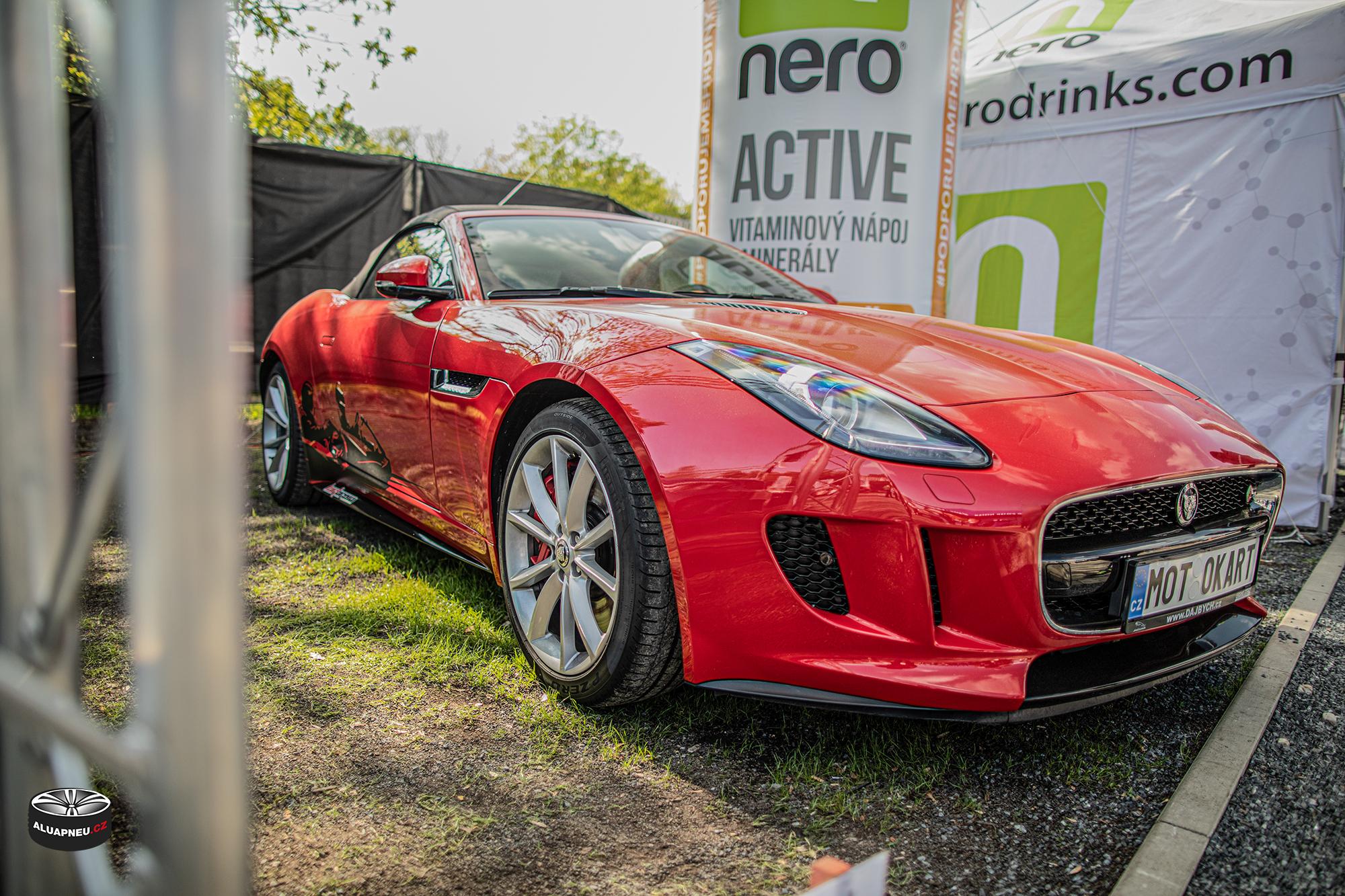 Originální elektrony Jaguar F-Type - Automobilové Legendy 2019 - www.aluapneu.cz
