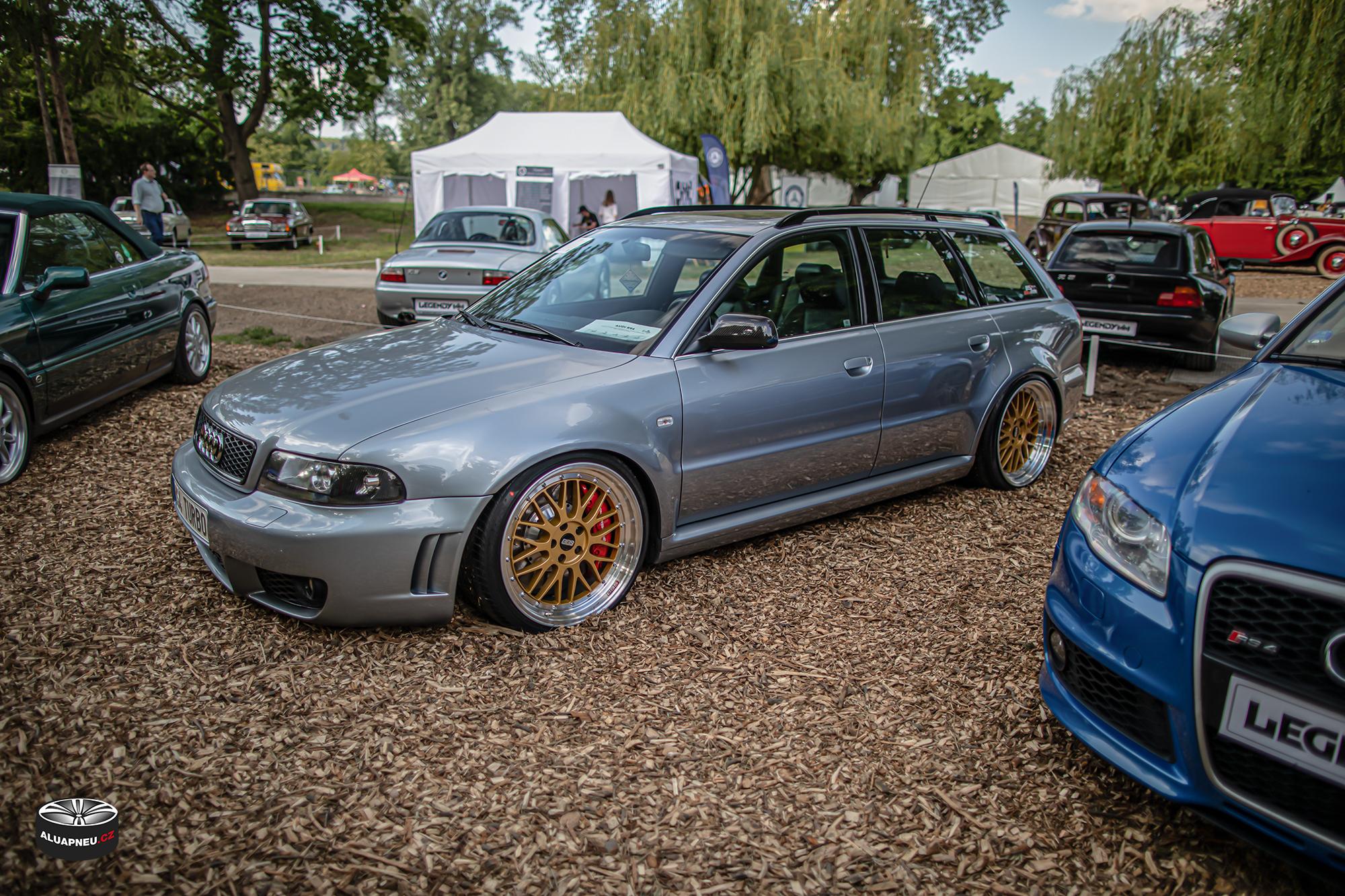 Zlaté elektrony s leštěnými límci - Audi Rs4 - Automobilové Legendy 2019 - www.aluapneu.cz