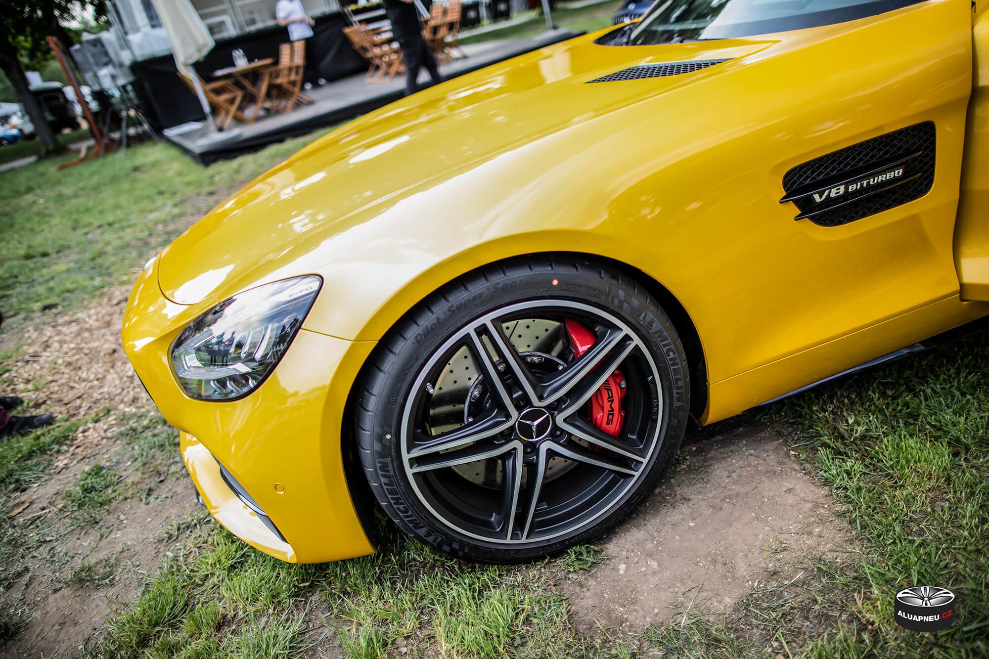 Leštěné elektrony Mercedes Amg Gt - Automobilové Legendy 2019 - www.aluapneu.cz