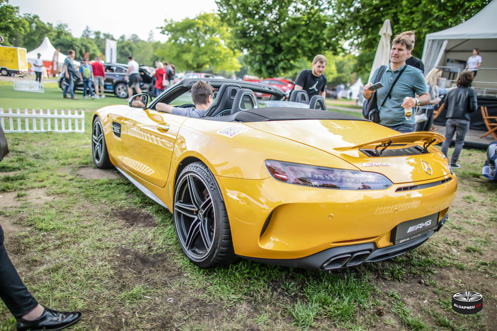 Litá kola original Mercedes Amg Gt Roadster - Automobilové Legendy 2019 - www.aluapneu.cz