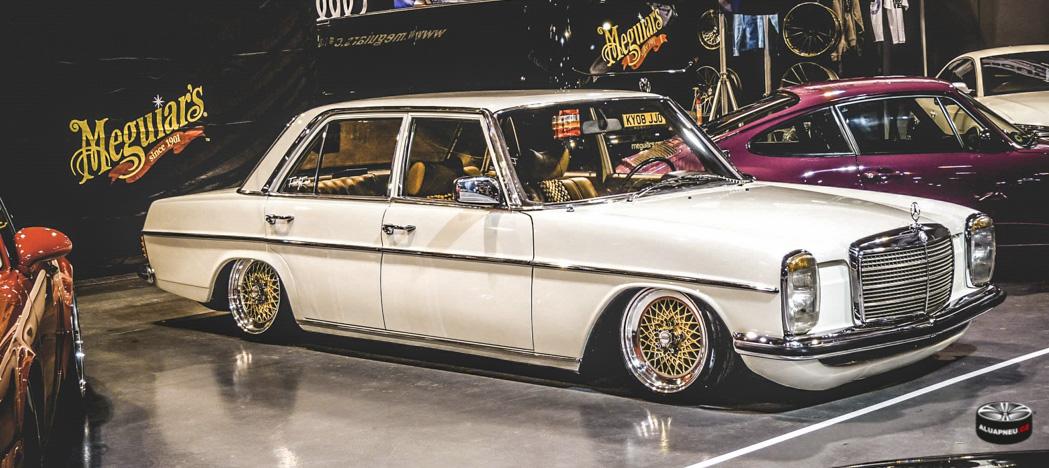 Zlatá alu kola Mercedes
