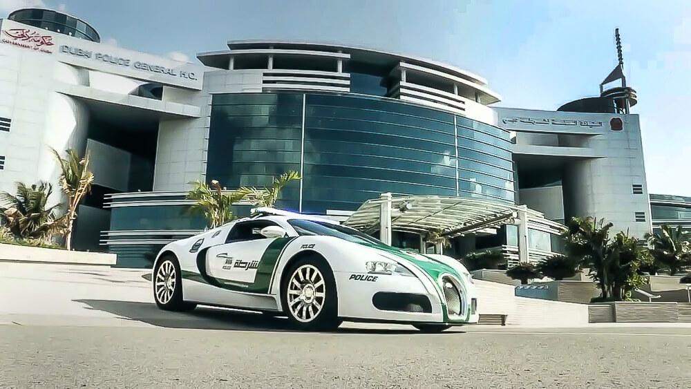 Policie Dubai Bugatti Veyron