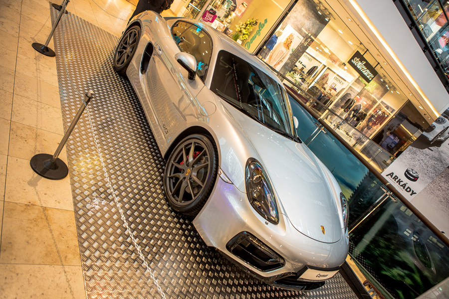 Elektrony Porsche
