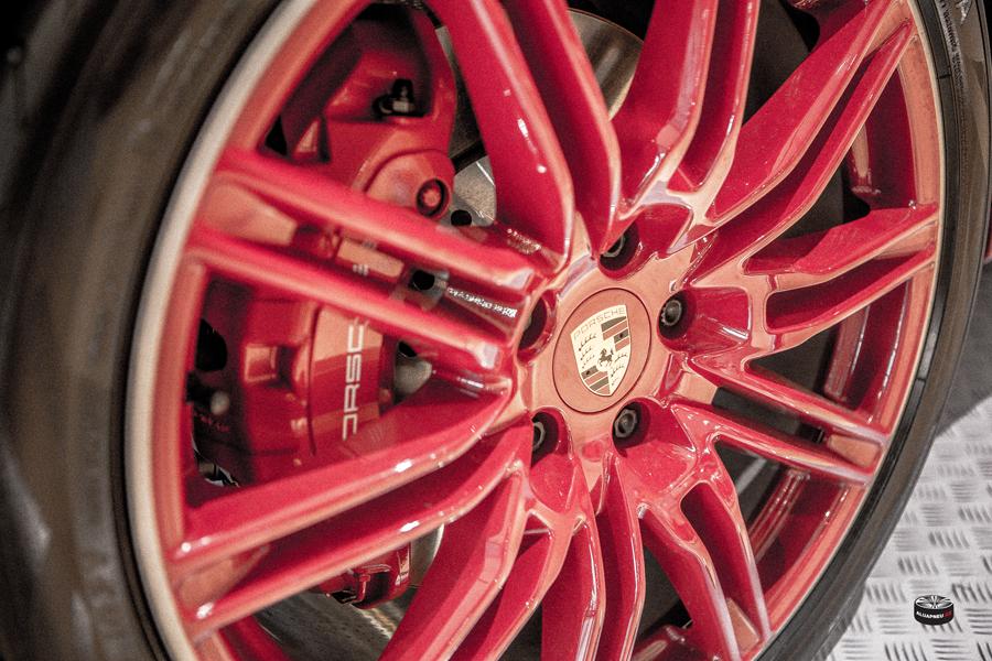 Červená Alu kola Porsche