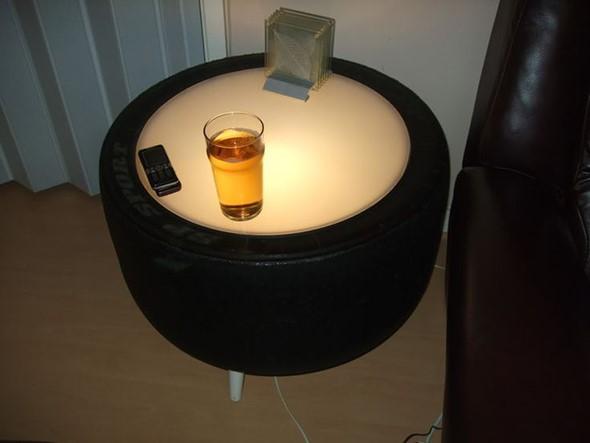 Noční stolek značky Dunlop